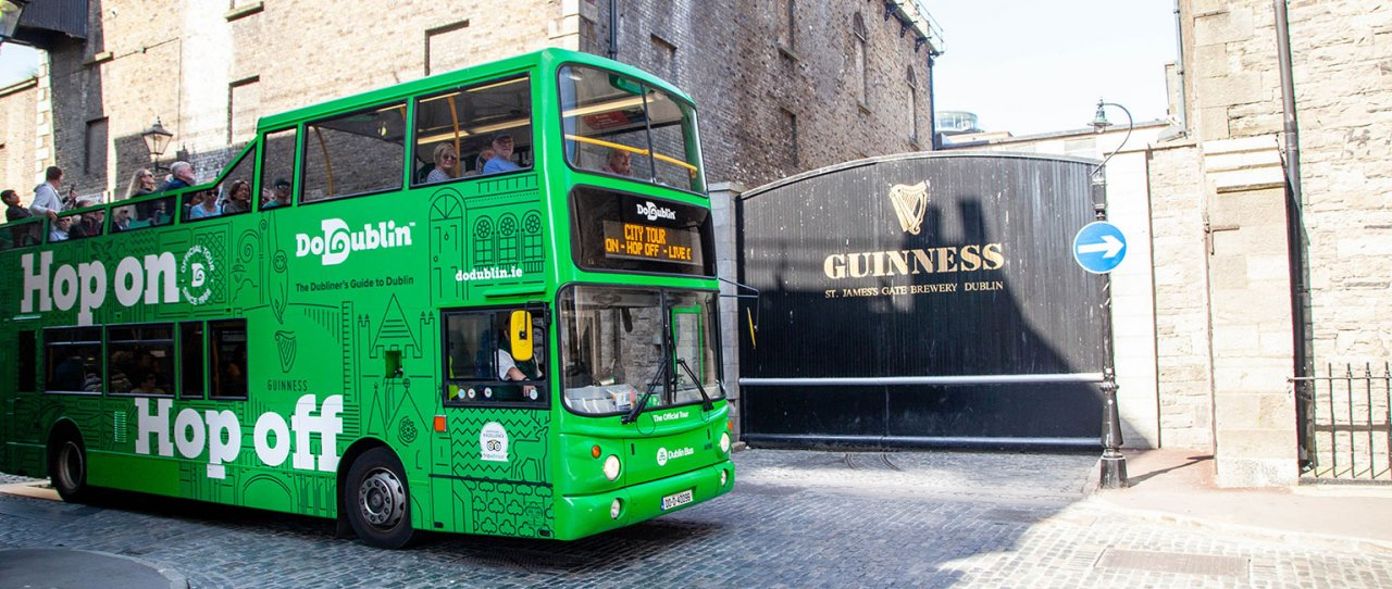 DoDublin bus at the Guinness gates